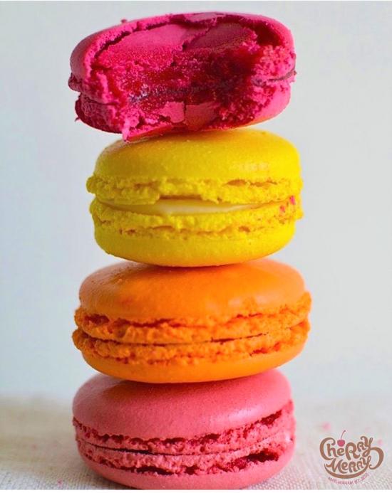 Макаронс (ванильный, сырный, фисташковый, малиновый, манго-маракуйя, шоколадный, смородиновый), шт
